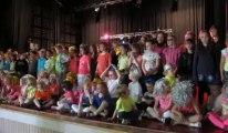 Aubigny-en-Artois : un chant pour la Fête des pères à la fête de l'école