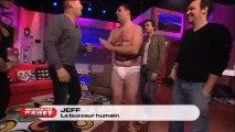 Jeff en buzzer humain - Bienvenue Chez Cauet