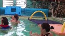 Manon au bébé nageur le 07.09.13