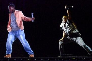 Quand un rappeur MORT chante en concert !