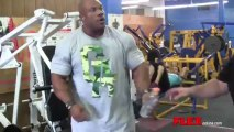 Mr Olympia Phil Heath trains shoulders 4 weeks from Olympia