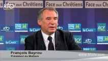 """François Bayrou - """"Hollande exerce la fonction présidentielle comme un Président du Conseil"""""""