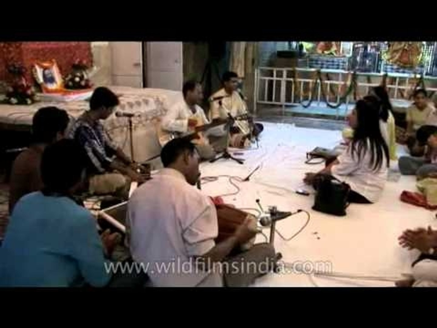 Singers and musicians at Rock satsang