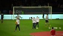 PSG - AS Monaco : Entrée des joueurs du Paris Saint Germain sur la pelouse du Parc des Princes