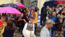 Rythmes scolaires: les agents communaux manifestent - Les agents ont débrayé tout l'après-midi