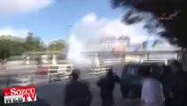 Metrobüs durağında ses bombaları patladı