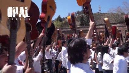 CHILE: MIL GUITARRAS EN HOMENAJE A VICTOR JARA