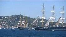Voiles de légende : les voiliers quittent la rade de Toulon, lundi 30 septembre 2013