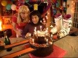 Samantha Oups ! Samantha prépare l'anniversaire de Chantal (partie 1)