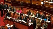 Italie: Le dauphin de Berlusconi appelle à voter la...