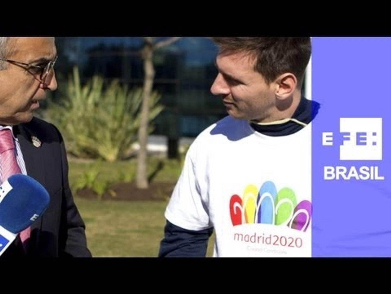 Messi veste a camisa da campanha de Madri para as Olimpíadas de 2020