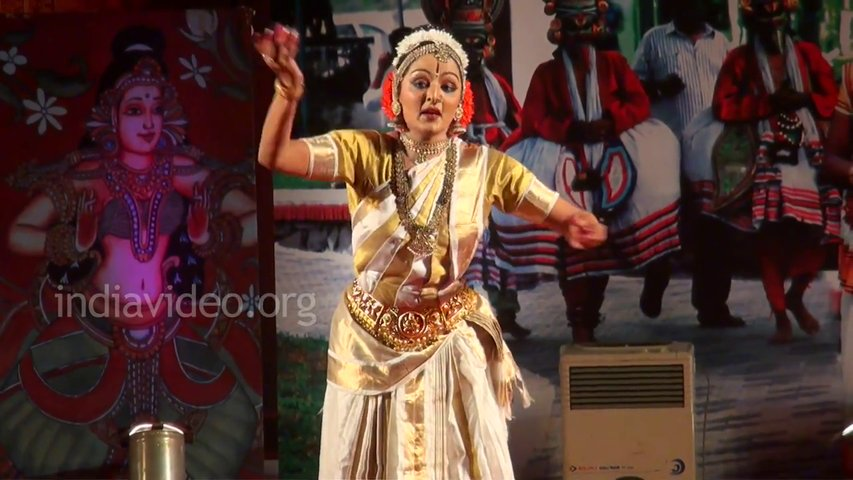 Kuchipudi Dance by Manju Warrier at Nishagandhi Festival Kerala