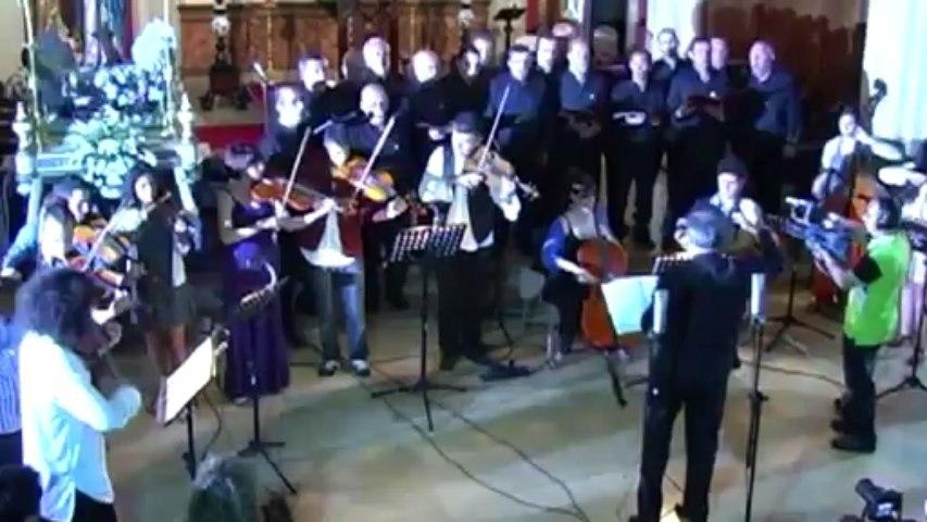 Himno a la Virgen de la Barca - Coro Villa de Navia y la Orquesta en el Tejado con Ara Malikian