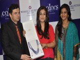 Raveena Tandon Launches Waman Hari Pethe Jewellers New Collection Colors