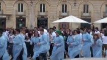 Dijon : flashmob des étudiants en pharmacie