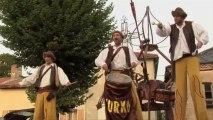 Cie Zurko échassiers musiciens spectacle Lacho Detsu