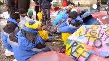 Berlino: richiedenti asilo in sciopero della fame...