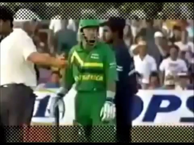 Funny Dismissels in Cricket History - CricHeaven.com
