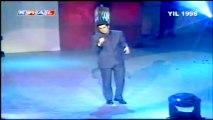 Özcan Deniz Geçmiyor günler (Kral Video Müzik Ödülleri 1998 En Iyi Halk Müzigi Erkek ) by feridi
