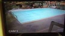 Violent Eathquake filmed in Swimming pool!