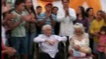 """A 103 ans et 99 ans, un couple se dit """"oui"""" après 80 ans de vie commune"""