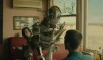 pub-vodafone-2013-_-c593uf-chat-robot-fusc3a9e_std