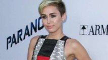 Miley Cyrus to Present Fashion Award to Marc Jacobs!