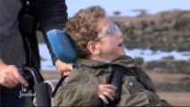 Des enfants handicapés moteurs à la plage (Vendée)