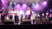 Saint-Loup. Spectaculaire prestation du Bagad de Lann-Bihoué et du Cercle celtique du Croisty (1)