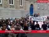Châteaulin (29). 200 lycéens manifestent contre la suppression d'un poste de CPE