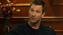 """""""That's What Acting Is All About"""": Aaron Eckhart On Working With Heath Ledger In """"The Dark Knight"""""""