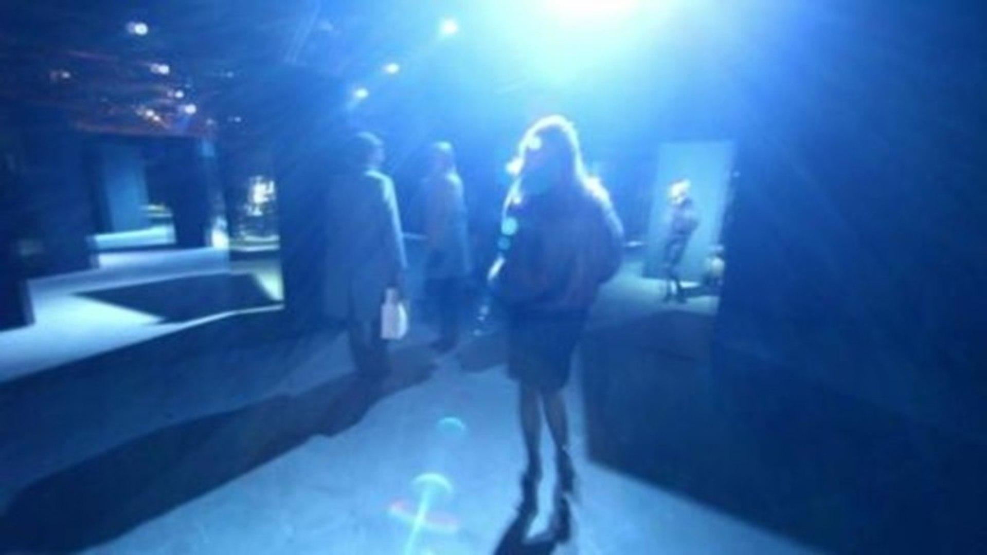Fashion Films - CR Fashion Book Teaser