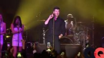 Robin Thicke performs at GQ's Gentlemen Give Back concert