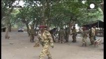 Monzambico, commando armato contro autobus