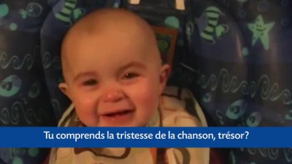 Video Bebe : Un bébé pleure touché par sa maman qui chante