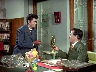 Ninaithathai mudippavan Scene 15 - Ninaithathai Mudippavan - M.N.Nambiar acts as spy