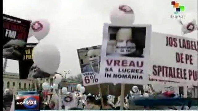 Médicos y enfermeras de Rumania protestan por mejoras salariales