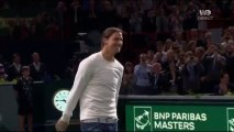 Novak Djokovic contre Zlatan Ibrahimovic. Zlatan est meilleur au FOOT qu'au TENNIS!
