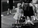 Italia: Sfilata a Roma in occasione della prima di un film  VIII Festival della moda Maschile a Sanremo  Stati Uniti: Modelli per bambini appena presentati in Unione Sovietica