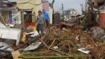 Tacloban residents battle Haiyan winds