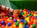 Bébé et les boulles