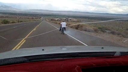 Faire du BMX en descente à plus de 80km/h sans protections
