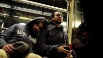 Dormir sur l'épaule d'inconnus dans le métro