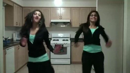 2 grils dance - video Dailymotion