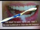 brosse à dents  pour enfants  c'est la brosse qui s'adapte et non le contraire