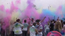 Holi Festival - Promis hautnah! Sabrina´s Videotagebuch: Schmutzige Geschichten auch ohne Promis