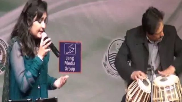 Sara Raza Khan Performance at Al-Hamra Art Council Lahore(song-2)