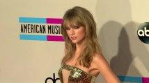 Taylor Swift es la chica de oro de los Premios American Music