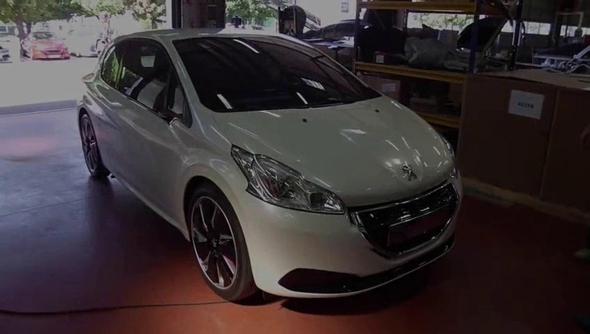 Vidéo de la Peugeot 208 Hybrid FE (2013)