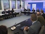 """Courbe du chômage: François Hollande parle d'une """"bataille"""" qui se fera """"mois par mois"""" - 28/11"""